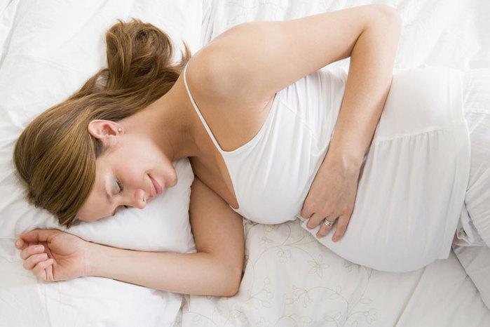 Почему вредно спать на животе беременным 42